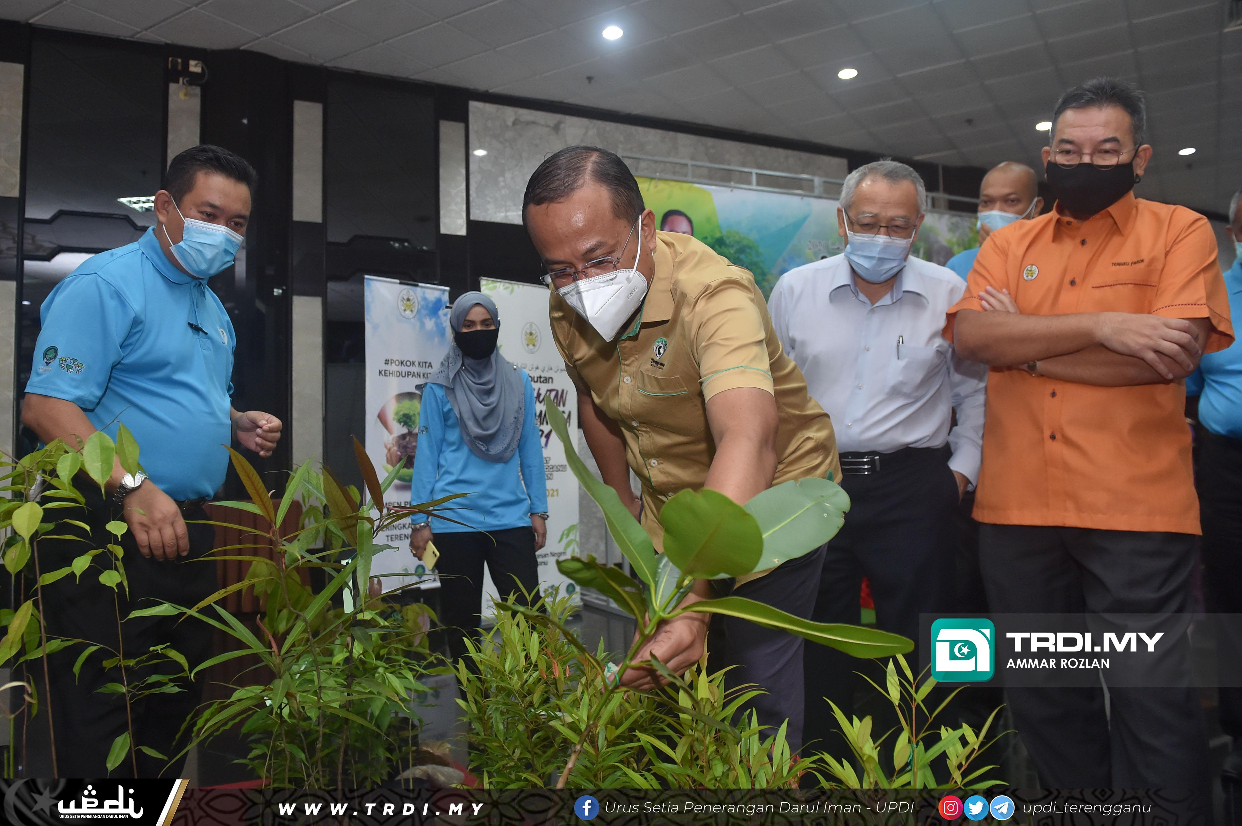 YAB Dato' Seri Dr. Ahmad Samsuri bin Mokhtar, Menteri Besar Terengganu menghadiri Majlis Pelancaran Dasar Perhutanan Malaysia bersempena Sambutan Hari Hutan Antarabangsa 2021