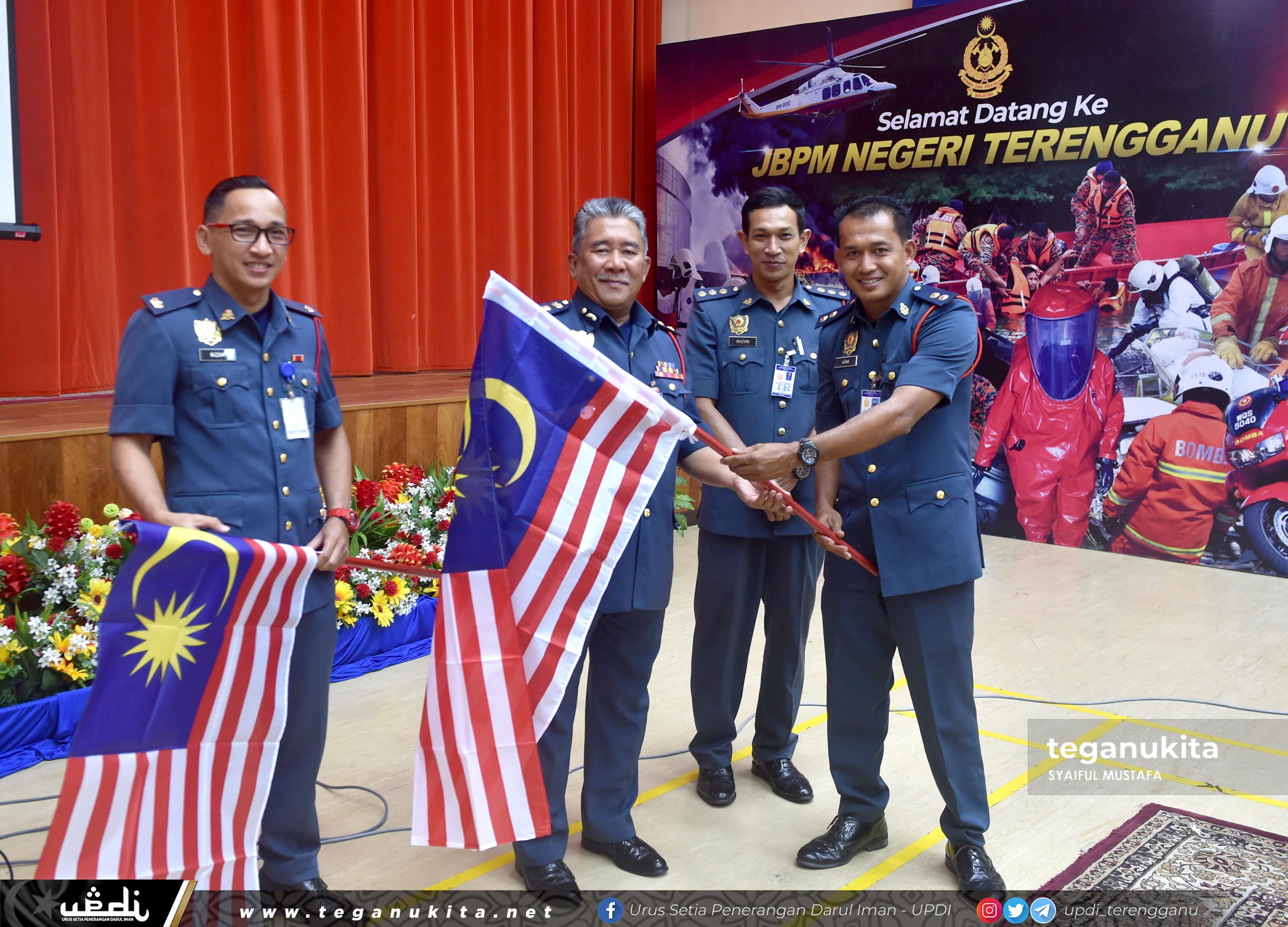 Pelancaran  mengibarkan jalur gemilang di Jabatan Bomba dan Penyelamat Malaysia Negeri Terengganu